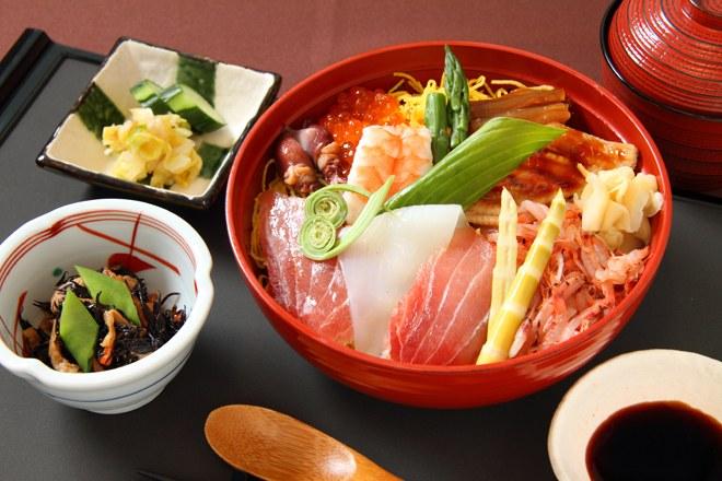 東洋大学の海鮮丼